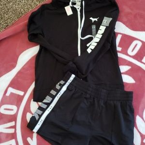 VS PINK SHORT SET